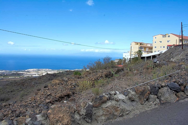 Rakentamaton maa myytävänä paikassa Guia de Isora - 189 000 € (Ref: 5943457)