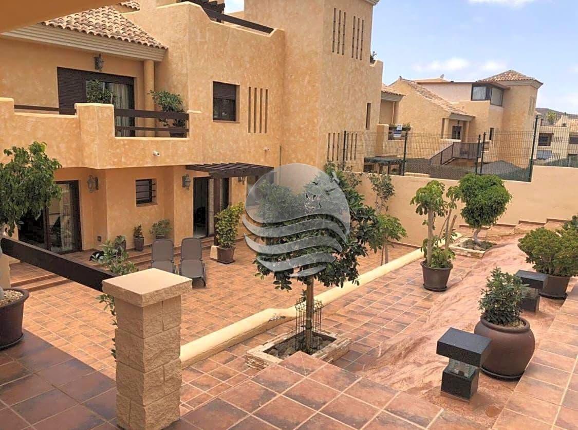 Chalet de 3 habitaciones en San Miguel de Abona en venta con piscina - 319.950 € (Ref: 5943609)