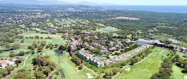 3 sovrum Semi-fristående Villa till salu i San Roque med pool garage - 399 000 € (Ref: 5503173)