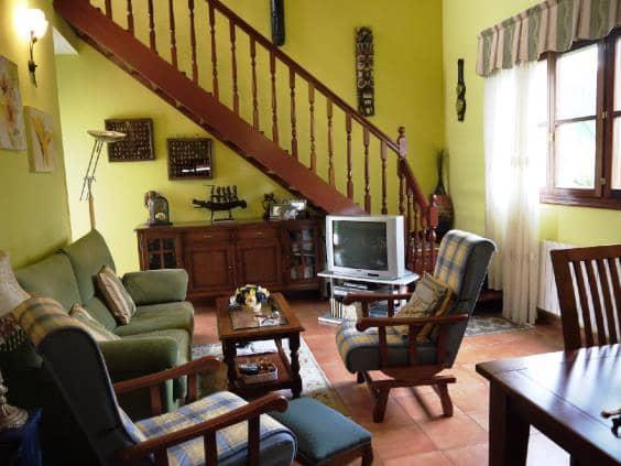 Pareado de 4 habitaciones en Hazas de Cesto en venta con piscina - 270.455 € (Ref: 5509175)