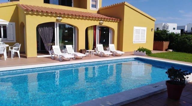 3 soverom Villa til salgs i Punta Grossa med svømmebasseng - € 500 000 (Ref: 5521864)
