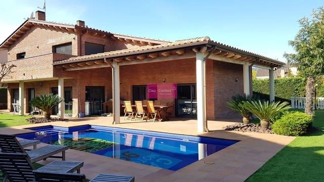 Chalet de 4 habitaciones en Corbera de Llobregat en venta con piscina - 1.190.000 € (Ref: 5706234)