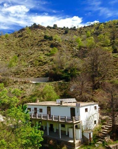 Chalet de 4 habitaciones en Alpujarra de la Sierra en venta con garaje - 245.000 € (Ref: 5625141)