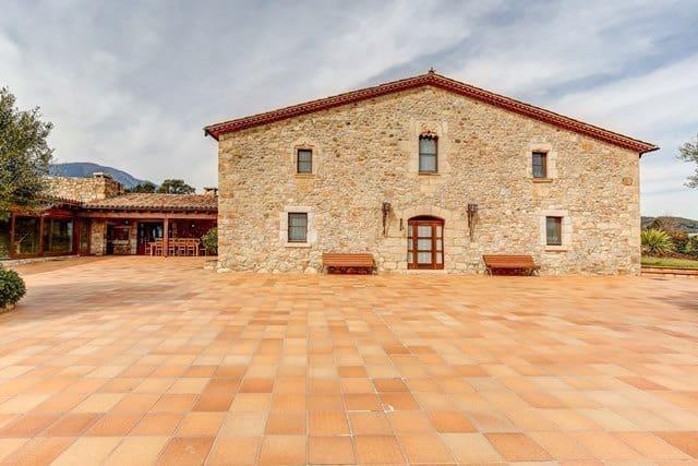 5 chambre Villa/Maison à vendre à Breda avec piscine garage - 2 375 000 € (Ref: 5568769)