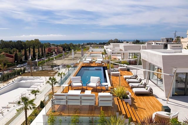 4 bedroom Flat for sale in Marbella with pool - € 1,850,000 (Ref: 5923047)