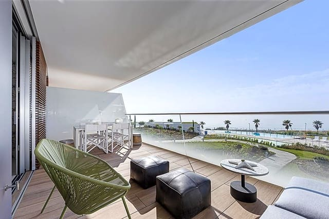 2 bedroom Flat for holiday rental in Estepona with pool - € 1,300 (Ref: 5924903)