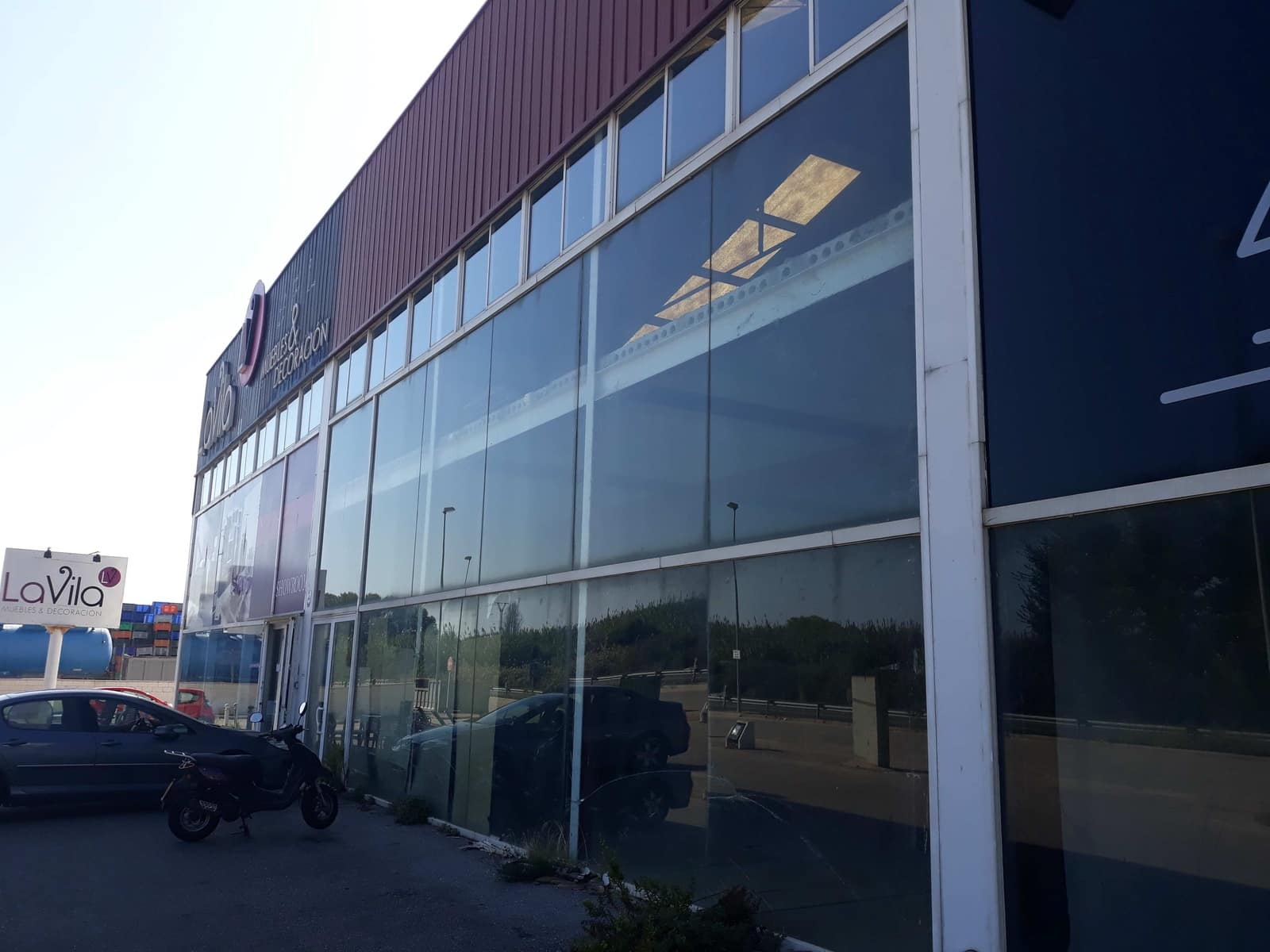Commercial for sale in Oliva - € 350,000 (Ref: 5876078)