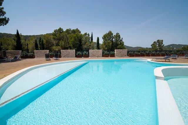 Pareado de 6 habitaciones en Roca Llisa en venta con piscina - 945.000 € (Ref: 5609020)