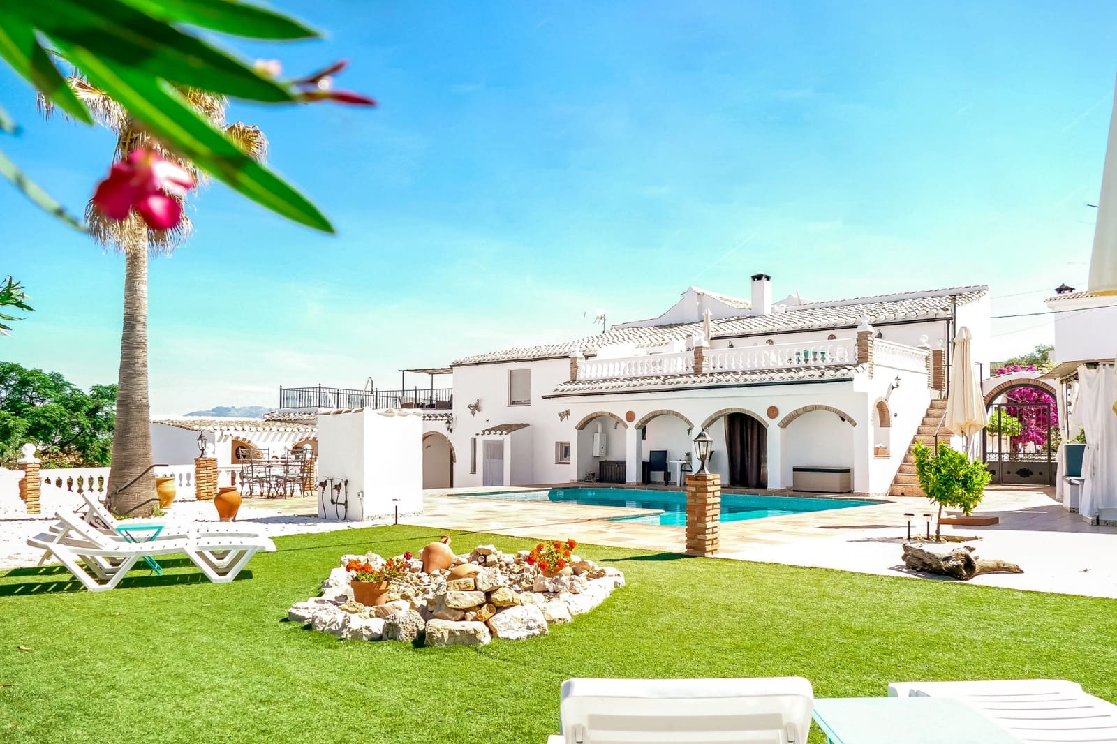 8 bedroom Semi-detached Villa for sale in Iznajar with pool - € 685,000 (Ref: 5687200)