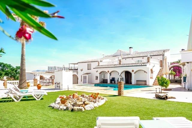 8 sovrum Semi-fristående Villa till salu i Iznajar med pool - 685 000 € (Ref: 5687200)