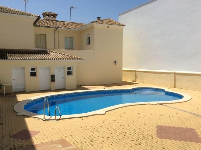 Pareado de 3 habitaciones en Fuente de Piedra en venta con piscina - 130.000 € (Ref: 5885272)
