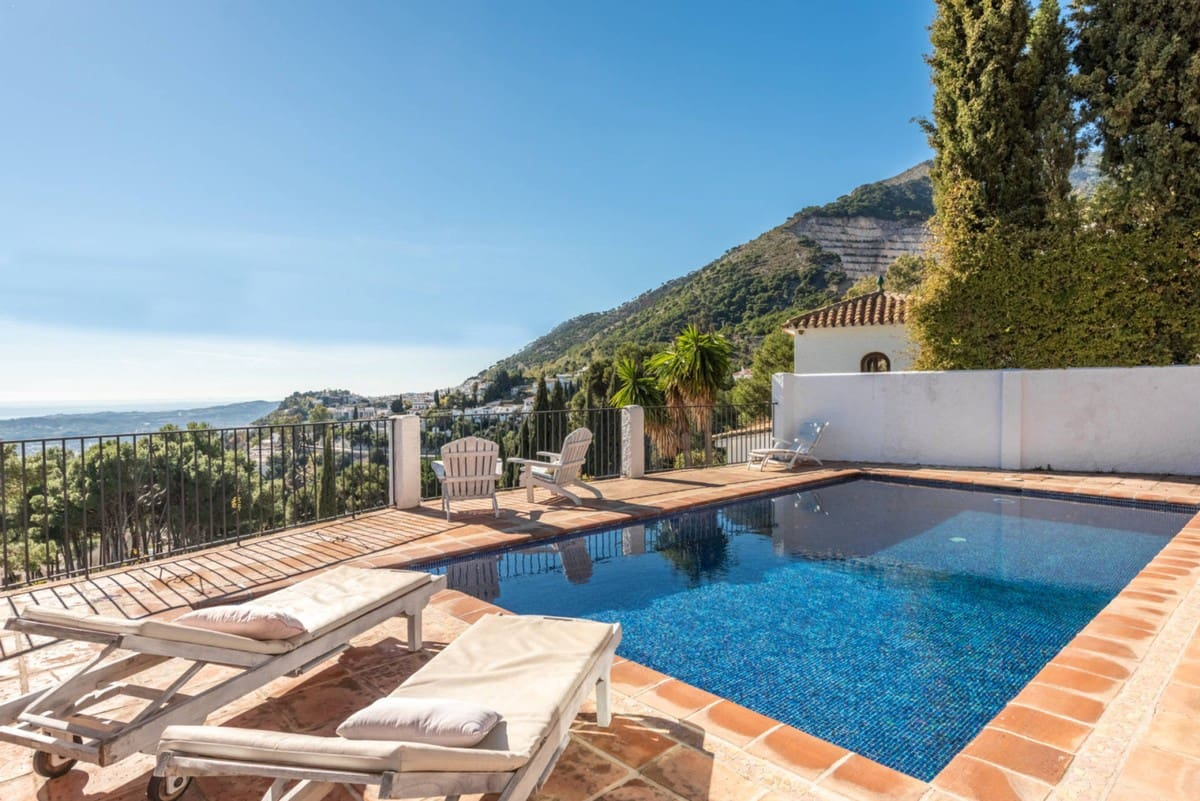 3 bedroom Villa for holiday rental in Mijas with pool garage - € 2,100 (Ref: 5854534)