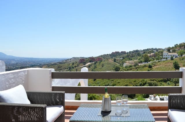 2 bedroom Apartment for holiday rental in La Mairena with pool garage - € 950 (Ref: 5854539)