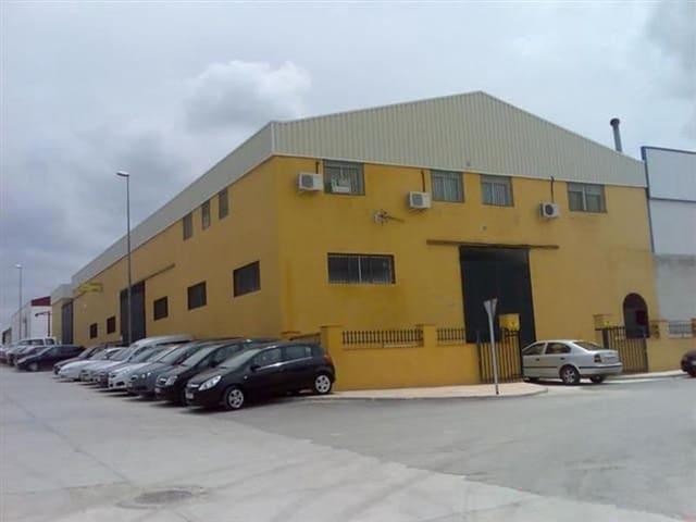 Chalet de 4 habitaciones en Jódar en venta - 357.000 € (Ref: 5734703)