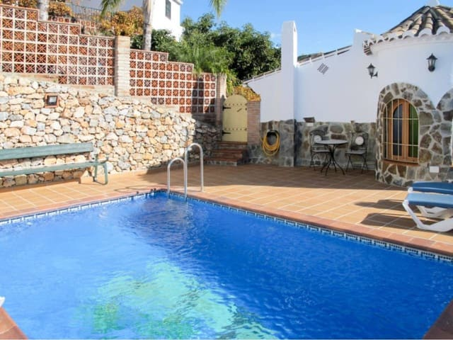 2 bedroom Townhouse for holiday rental in Frigiliana - € 850 (Ref: 5906001)