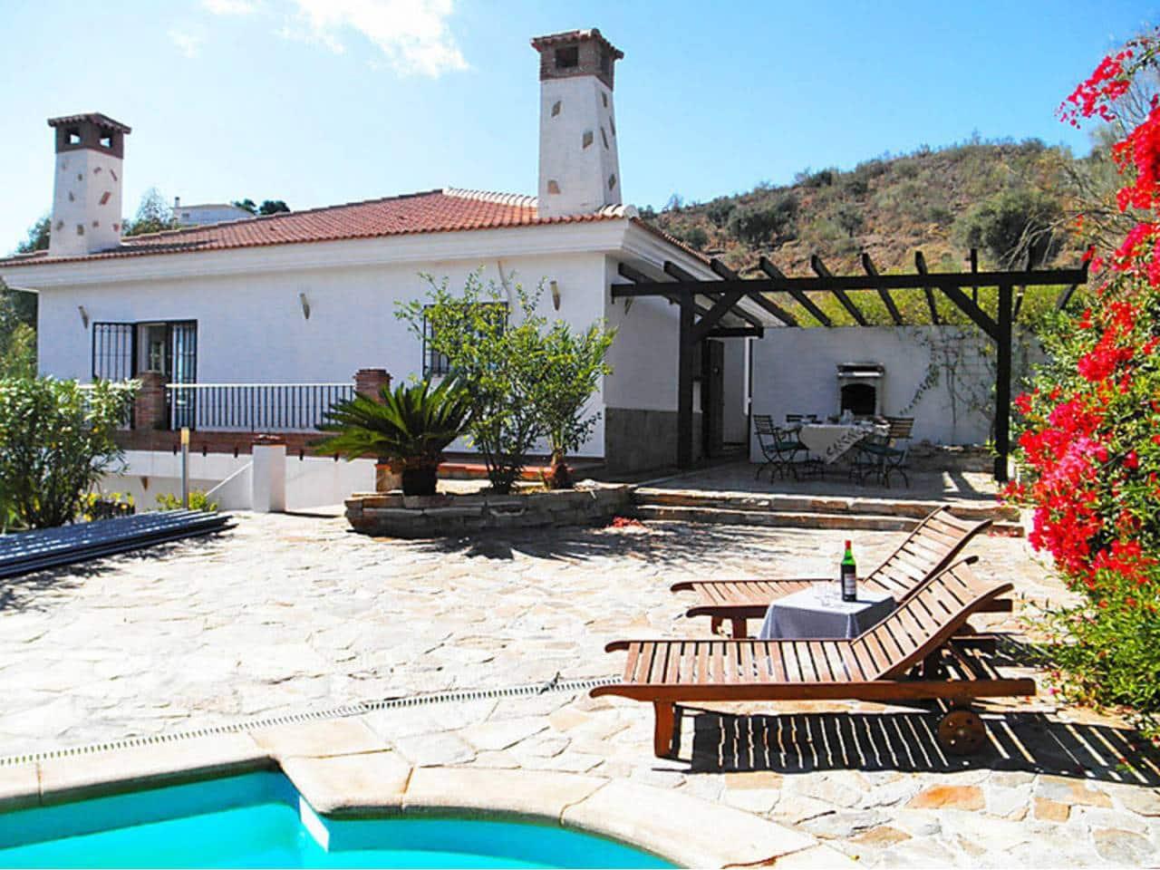 Chalet de 3 habitaciones en Macharaviaya en alquiler vacacional con piscina - 1.190 € (Ref: 5906003)