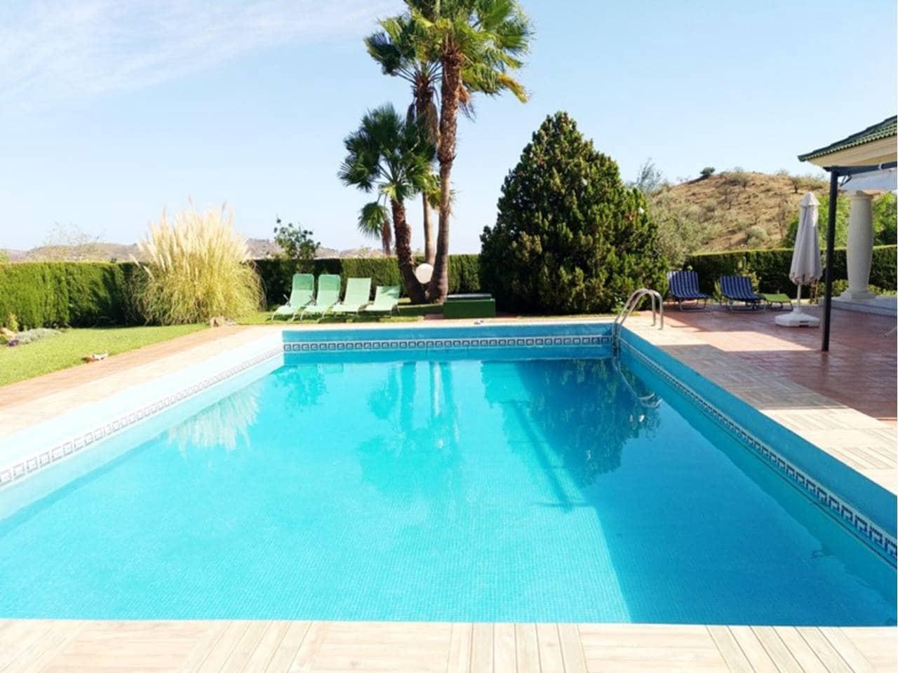 Chalet de 4 habitaciones en Málaga ciudad en alquiler vacacional con piscina - 1.165 € (Ref: 5910274)