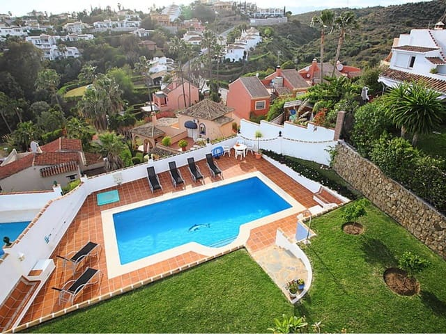3 bedroom Townhouse for holiday rental in Calahonda - € 1,290 (Ref: 5912631)