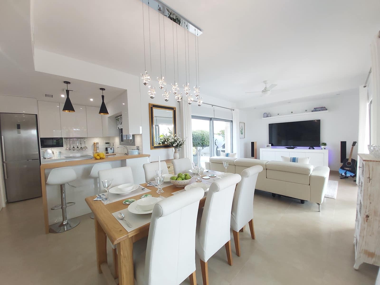 3 soveværelse Villa til salg i Los Montesinos med swimmingpool - € 342.000 (Ref: 5869680)