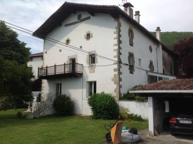 Chalet de 5 habitaciones en Enderiz en venta con garaje - 360.000 € (Ref: 5753989)