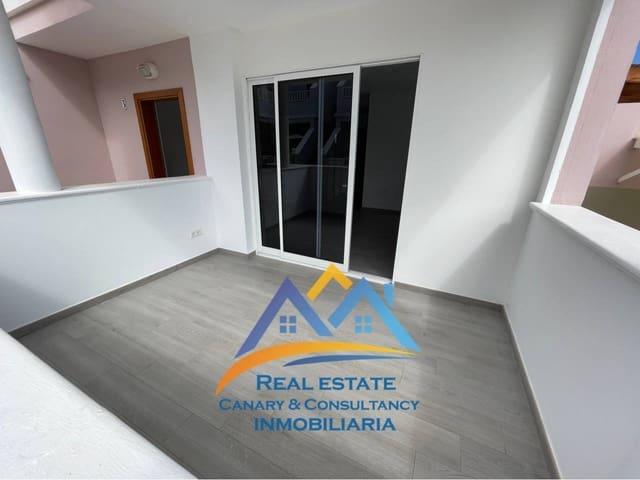 2 soveværelse Semi-Rækkehus til leje i San Fernando med swimmingpool garage - € 1.095 (Ref: 5802752)