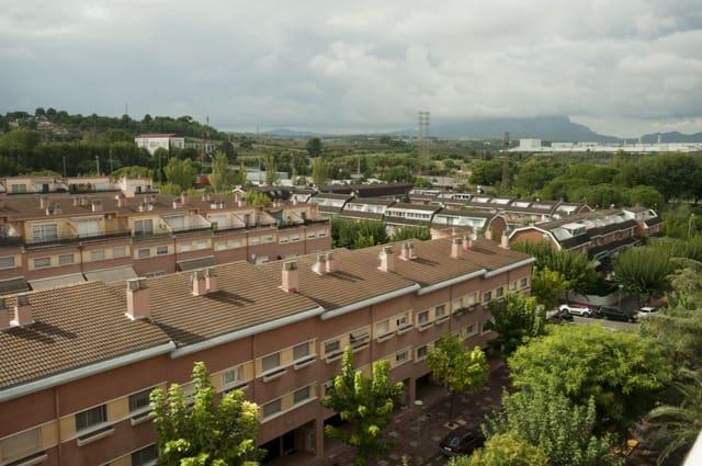 Piso de 4 habitaciones en Martorell en venta con garaje - 199.000 € (Ref: 5779947)