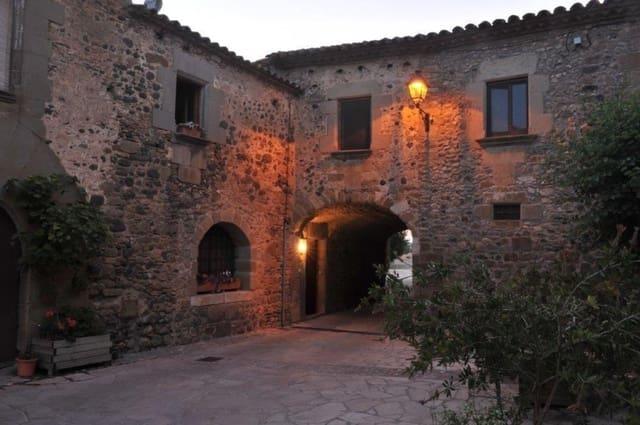 Hotel de 5 habitaciones en Púbol en venta con piscina - 990.000 € (Ref: 5795049)