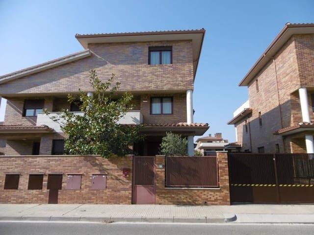 6 bedroom Villa for sale in Vilafortuny with pool garage - € 504,000 (Ref: 6173888)