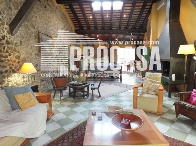 2 sovrum Villa till salu i Vilajuiga med garage - 590 000 € (Ref: 5797976)