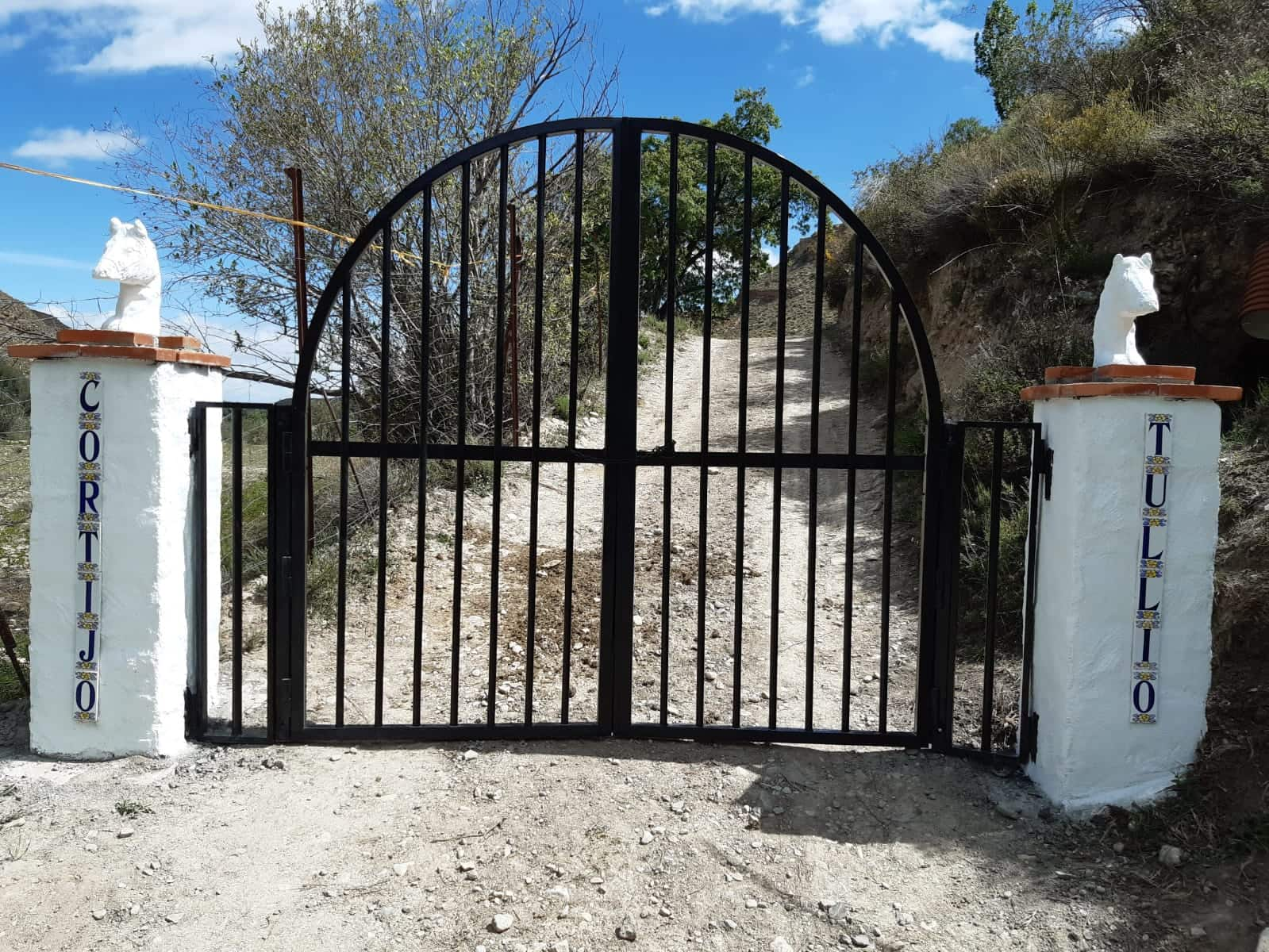 3 bedroom Finca/Country House for sale in Caniles with pool garage - € 285,000 (Ref: 5827504)