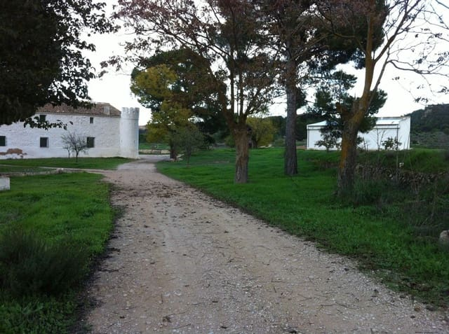 7 soveværelse Finca/Landehus til salg i Yecla med garage - € 1.700.000 (Ref: 5859332)