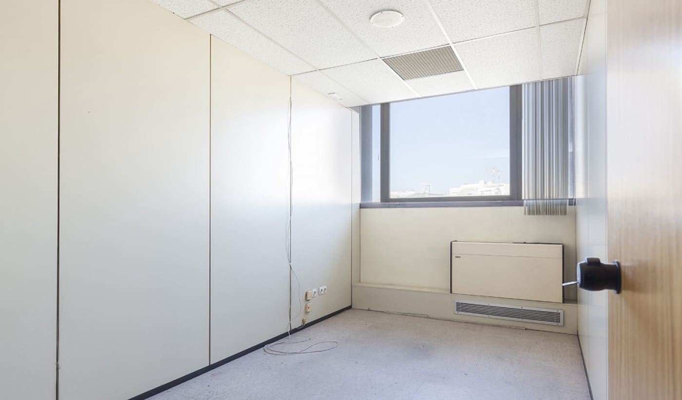 Kontor til leie i Sabadell - € 8 601 (Ref: 5844613)
