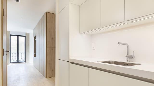 2 makuuhuone Yksiö vuokrattavana paikassa Barcelona kaupunki mukana uima-altaan - 1 570 € (Ref: 5894326)