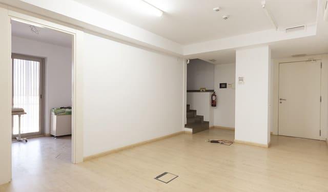 1 quarto Comercial para arrendar em Sabadell - 2 396 € (Ref: 6198000)