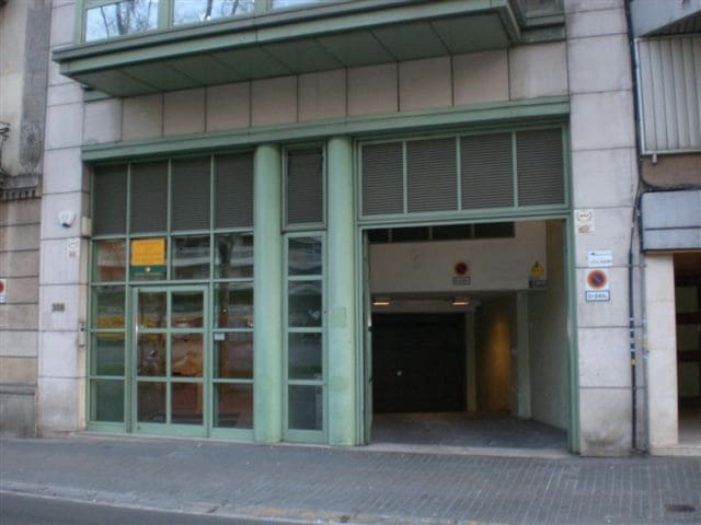 Garage att hyra i Barcelona stad - 100 € (Ref: 6198305)
