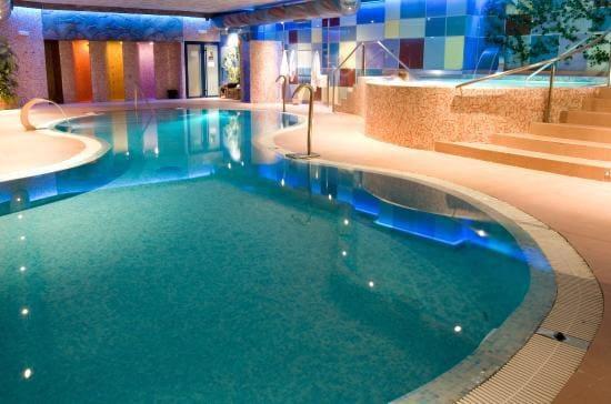 72 chambre Hôtel à vendre à Alcudia avec piscine - 9 500 000 € (Ref: 5923597)