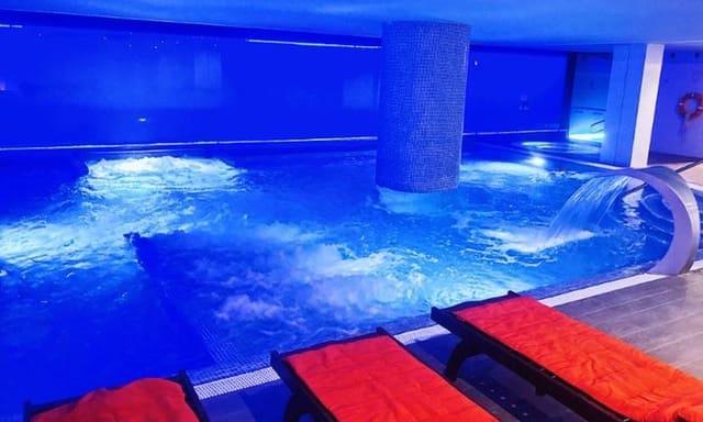 Hotell til salgs i Valencia by med svømmebasseng - € 45 000 000 (Ref: 5923607)