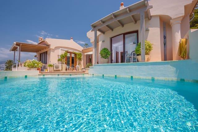 4 bedroom Villa for sale in La Herradura - € 895,000 (Ref: 6239122)