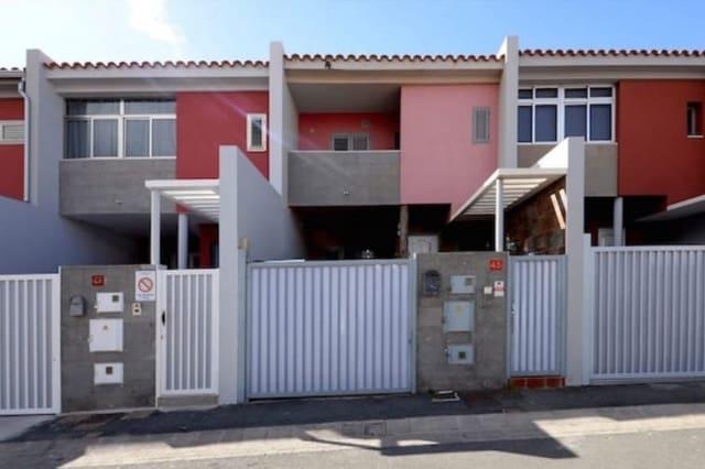 Adosado de 3 habitaciones en Santa Lucía de Tirajana en venta con garaje - 215.000 € (Ref: 5968866)