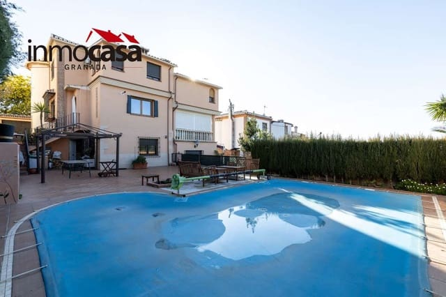 4 soveværelse Villa til salg i Jun med swimmingpool garage - € 282.000 (Ref: 6030791)