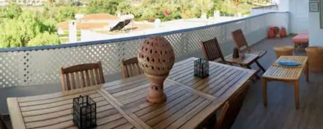 2 bedroom Penthouse for holiday rental in Guadalmina with pool - € 1,200 (Ref: 6090946)