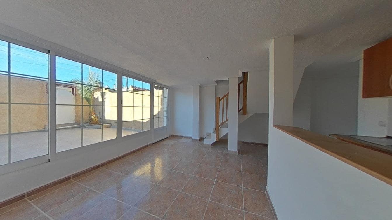 3 bedroom Townhouse for rent in Torrevieja - € 580 (Ref: 6099988)