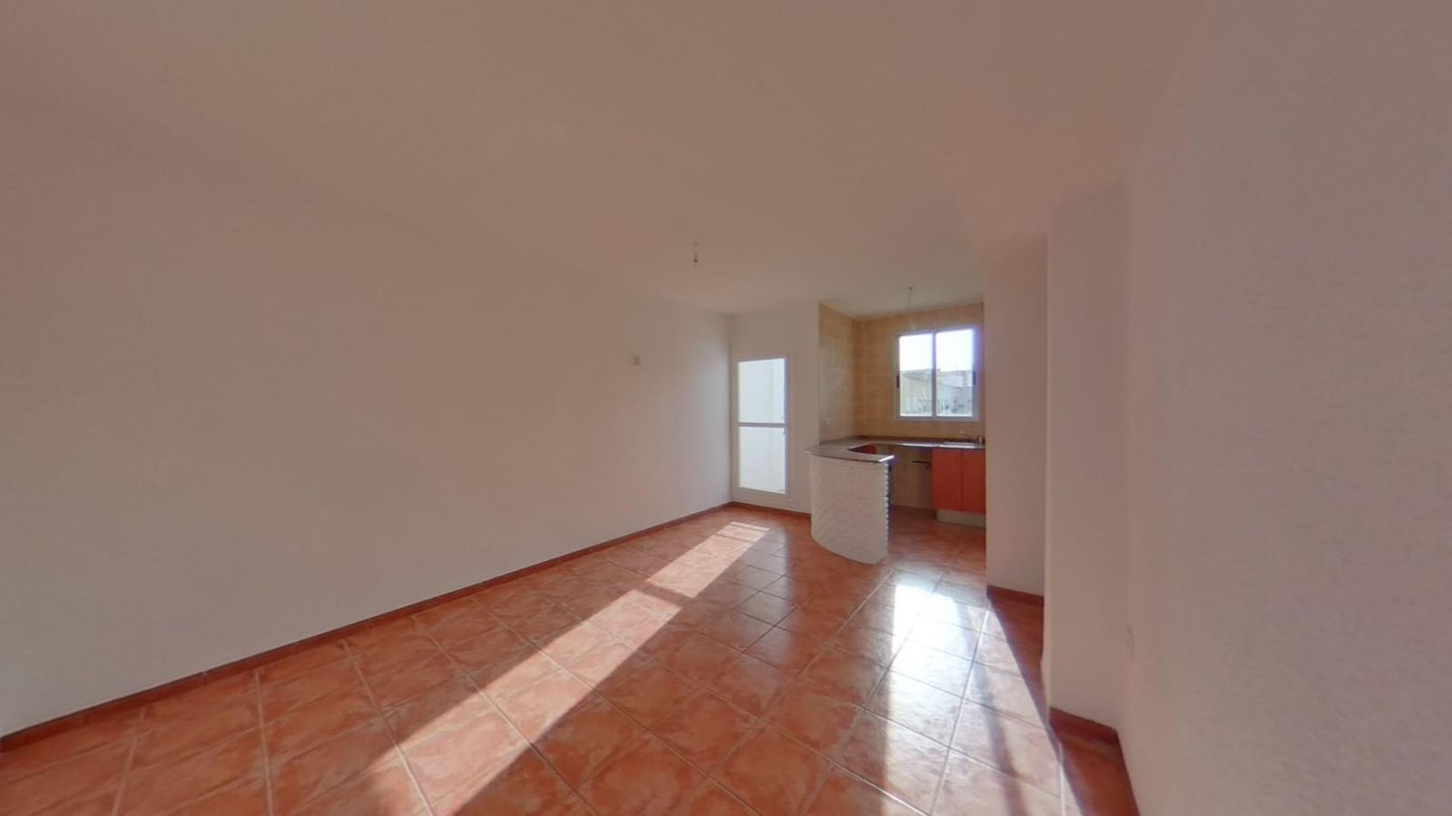 2 bedroom Apartment for rent in Valencia city - € 470 (Ref: 6131599)