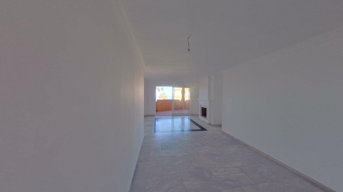 2 bedroom Apartment for rent in Mijas with pool - € 740 (Ref: 6226224)