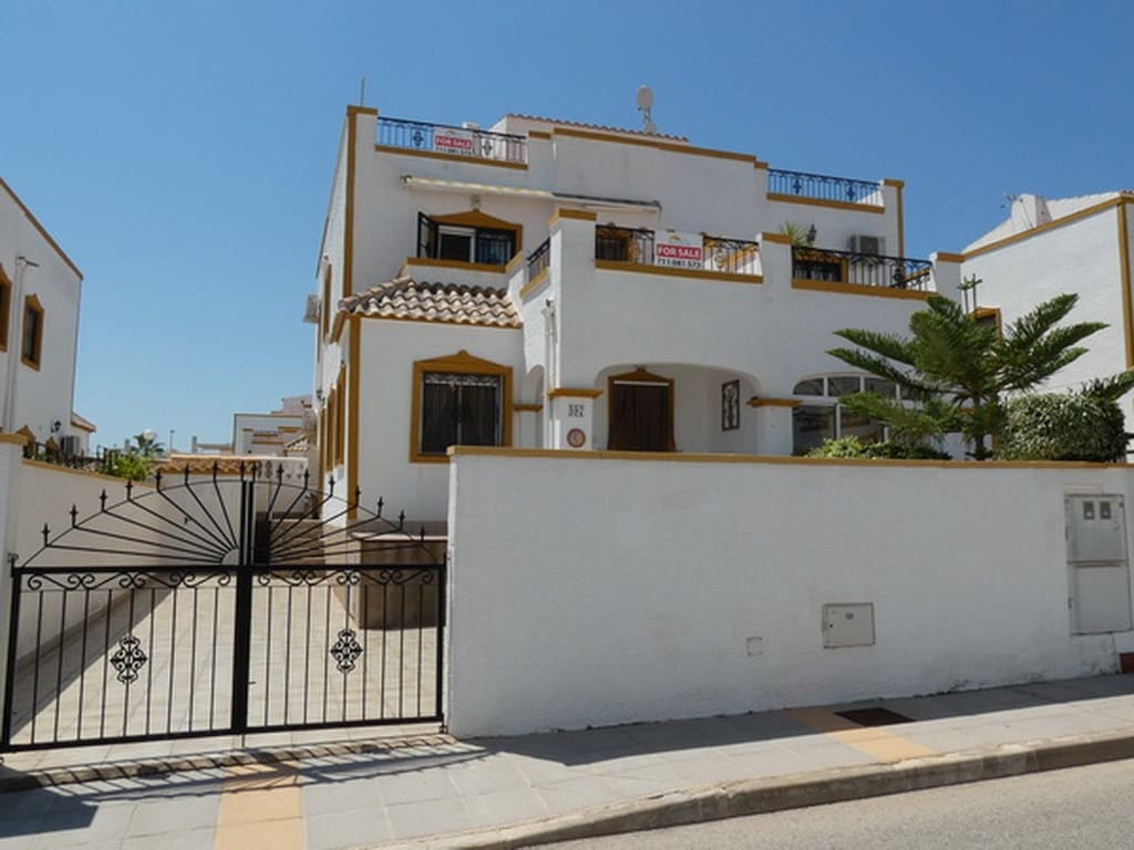 2 bedroom Townhouse for sale in Alicante / Alacant city - € 116,000 (Ref: 6247568)