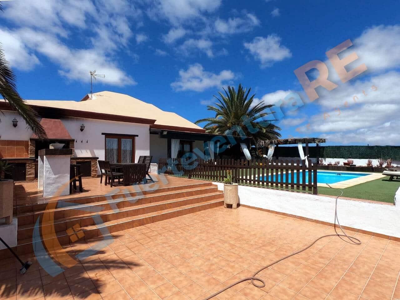 3 bedroom Villa for sale in Villaverde - € 538,000 (Ref: 6333874)
