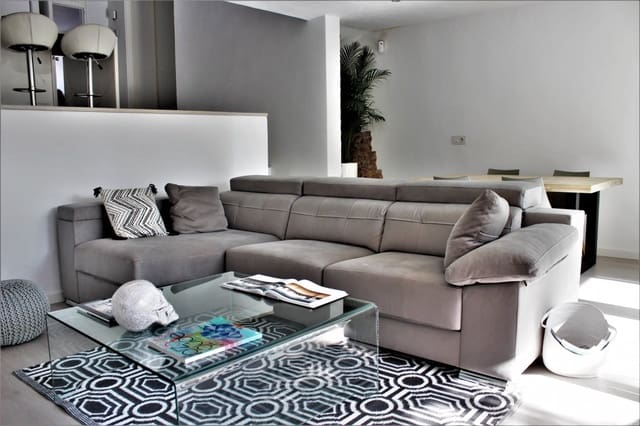 2 soverom Rekkehus til salgs i Santa Eulalia / Santa Eularia med svømmebasseng garasje - € 630 000 (Ref: 6077094)