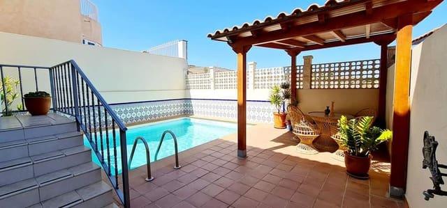 5 soveværelse Semi-Rækkehus til salg i San Fernando - € 449.000 (Ref: 6231921)