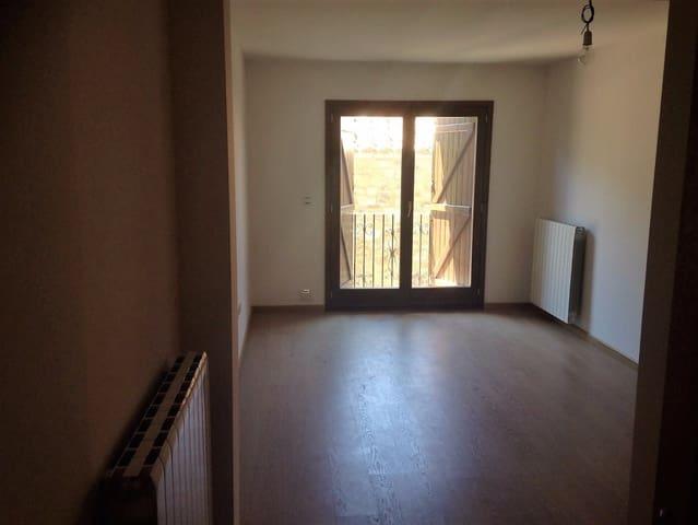 2 makuuhuone Asunto myytävänä paikassa Campo mukana  autotalli - 98 000 € (Ref: 6107542)