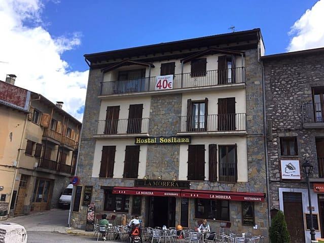 Hotel para venda em Castejon de Sos - 450 000 € (Ref: 6107554)